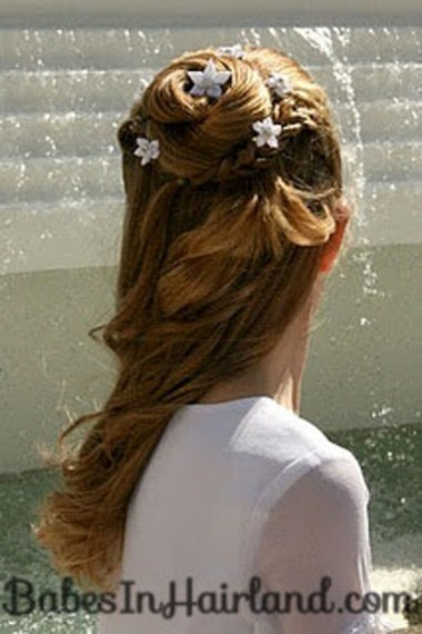 Accessorizing with Hair Pins (3)