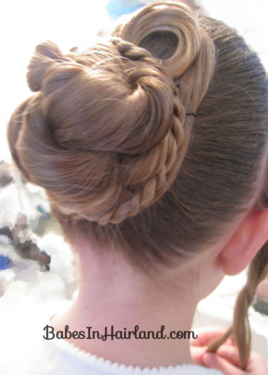 Beautiful Holiday Updo (15)