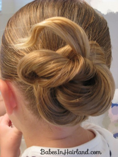 Loopy Bun Hairstyle (9)