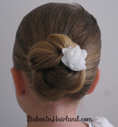 Loopy Bun Hairstyle (1)