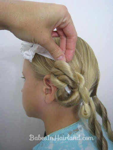 Easy Vintage Updo from BabesInHairland.com