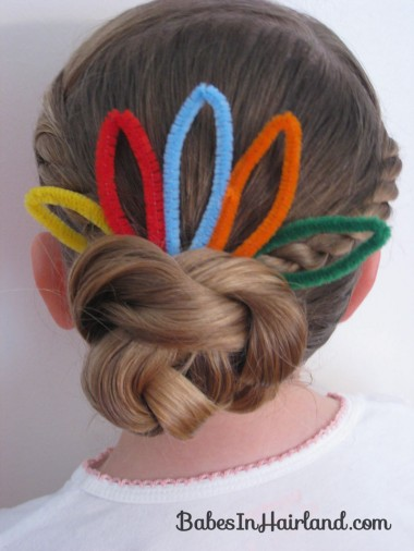 Cute Turkey Bun Hairstyle (9)