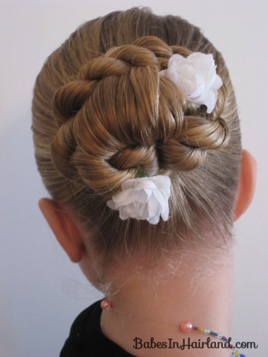 Loop & Twisted Bun (1)