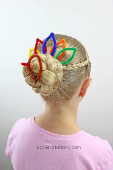 Turkey Bun for Thanksgiving from BabesInHairland.com #thanksgiving #bun #turkeybun #hair #hairstyle