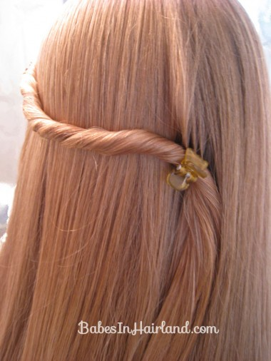 Twisted Knot Hairstyle | Teen Hairstyles (4)