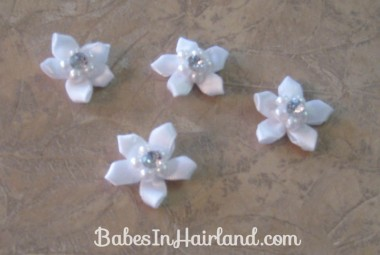Accessorizing with Hair Pins (5)