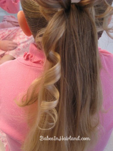Curls above Ponytail Hairstyle (8)