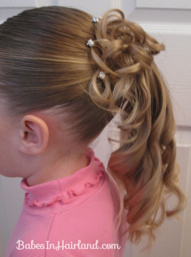 Curls above Ponytail Hairstyle (12)