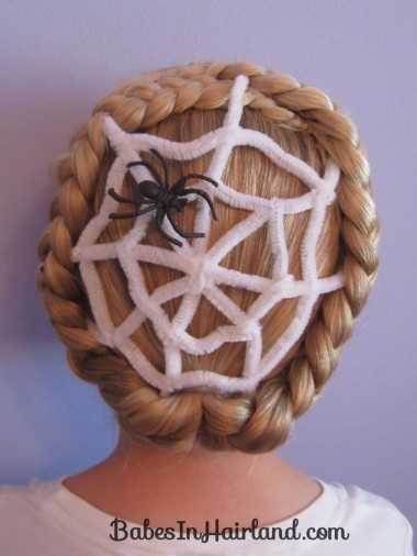 Spiderweb Hairstyle | Halloween Hairstyles (9)
