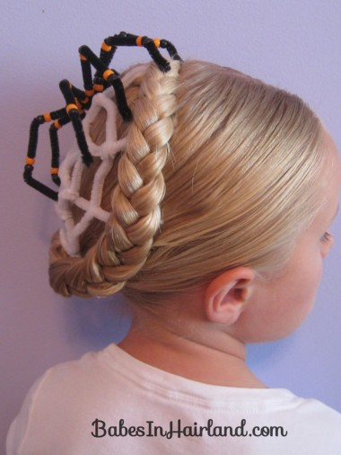 Spiderweb Hairstyle | Halloween Hairstyles (5)