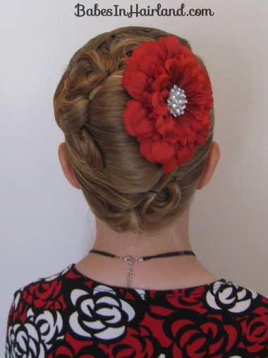 Elegant French Twist Updo (32)
