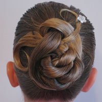 Curvy-Swirvy New Year's Updo