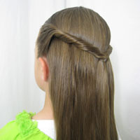 Easy Twisted Pullback from BabesInHairland.com (1)
