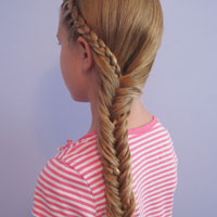 Half French Braid into a Fishbone Braid (14)